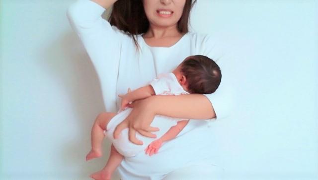 出産後の体調不良で悩む女性